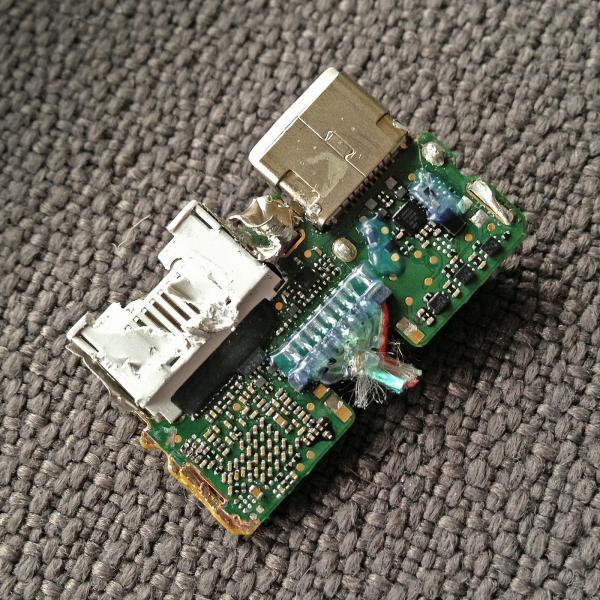 Lightning Digital AV Adapter Chip 2